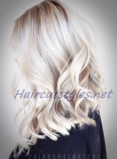 Medium Blonde Hair With Platinum Highlights Hair Highlights